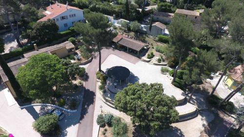 Luxus-Liegenschaft zu verkaufen SANARY SUR MER, 280 m², 8 Schlafzimmer, 1595000€