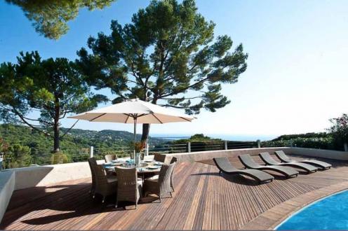 Casa di lusso in vendita MOUGINS, 280 m², 4 Camere, 2200000€
