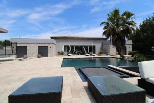 Villa de luxe à vendre COGOLIN, 330 m², 5 Chambres, 1550000€