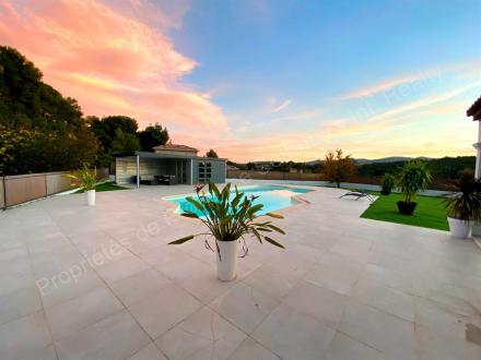 Villa de luxe à louer MARSEILLE, 190 m², 4 Chambres, 4800€/mois