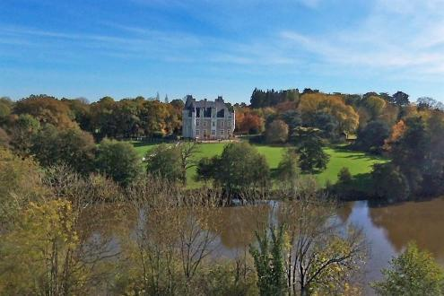 Château / Manoir de luxe à vendre CHATEAU GONTIER, 700 m², 7 Chambres, 1990000€