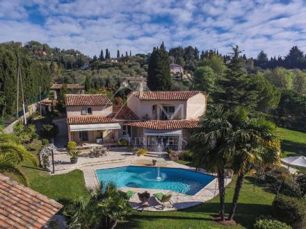 Luxus-Villa zu verkaufen GRASSE, 200 m², 4 Schlafzimmer, 995000€