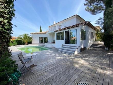 Maison de luxe à vendre SANARY SUR MER, 240 m², 4 Chambres, 1440000€