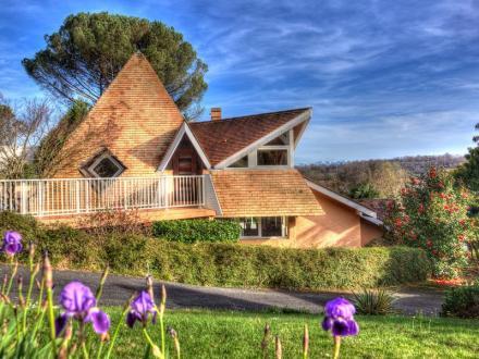 Villa de luxe à vendre PAU, 210 m², 4 Chambres, 717600€
