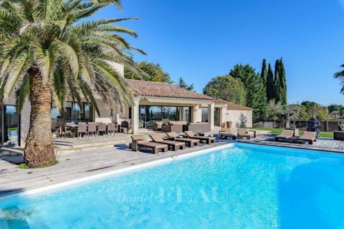 Casa di lusso in vendita AIX EN PROVENCE, 340 m², 4 Camere, 1790000€