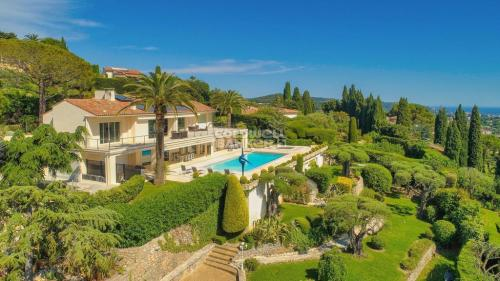 Luxury House for sale MOUGINS, 480 m², 7 Bedrooms, € 4 500 000