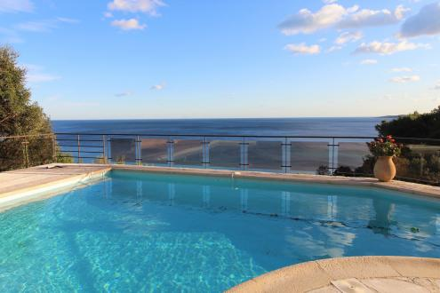 Luxury House for rent SAINTE MAXIME, 200 m², 5 Bedrooms,