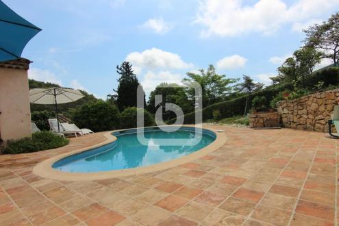 Villa de luxe à vendre ANTIBES, 220 m², 5 Chambres, 1260000€