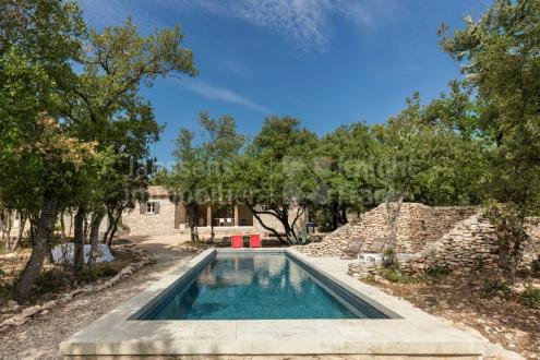 Villa di lusso in vendita BONNIEUX, 215 m², 4 Camere, 1190000€