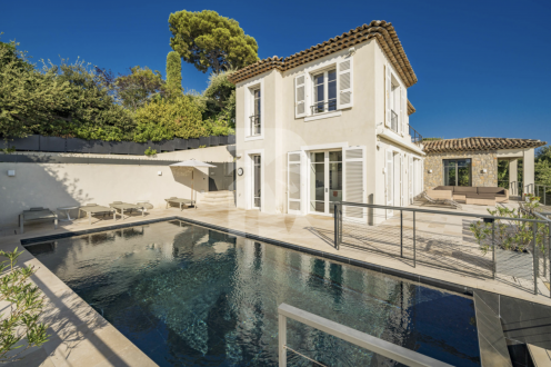 Maison de luxe à louer CAP D'ANTIBES, 400 m², 6 Chambres,