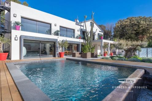 Maison de luxe à vendre MARSEILLE, 260 m², 5 Chambres, 1470000€