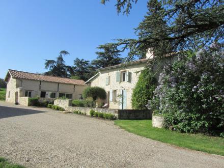Propriété de luxe à vendre CASTELMORON SUR LOT, 348 m², 6 Chambres, 693000€