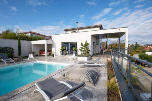 Maison de luxe à vendre VERNAISON, 162 m², 5 Chambres, 920000€