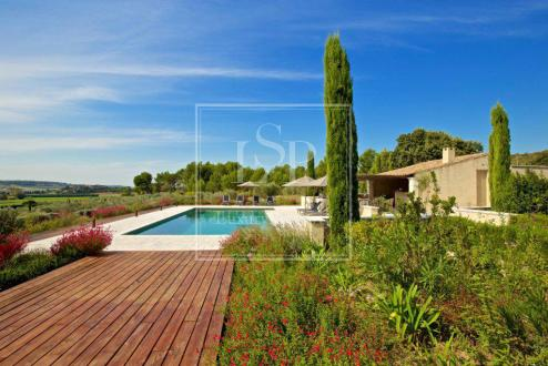 Luxury House for rent FONTVIEILLE, 320 m², 5 Bedrooms,