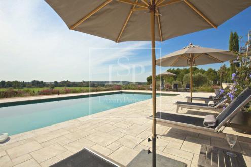 Luxus-Haus zu vermieten FONTVIEILLE, 320 m², 5 Schlafzimmer,