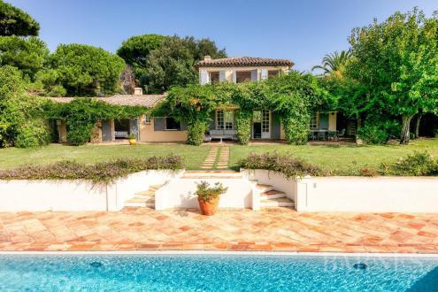 Casa di lusso in affito SAINT TROPEZ, 301 m², 6 Camere,