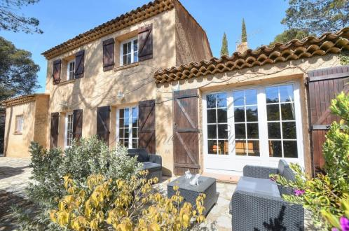 Casa di lusso in vendita FREJUS, 148 m², 3 Camere, 575000€