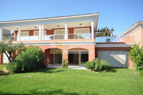 Villa de luxe à vendre CAP D'ANTIBES, 104 m², 3 Chambres, 1250000€