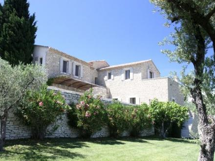 Luxury House for rent GORDES, 250 m²,