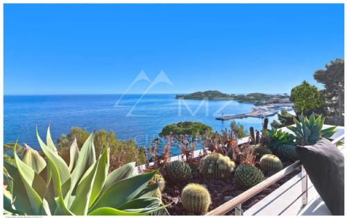 Luxury House for rent SAINT JEAN CAP FERRAT, 1250 m², 7 Bedrooms,