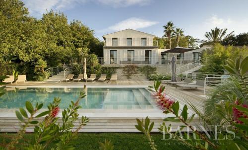 Luxury House for rent SAINT TROPEZ, 661 m², 8 Bedrooms,