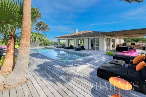 Maison de luxe à louer SAINT TROPEZ, 451 m², 6 Chambres,