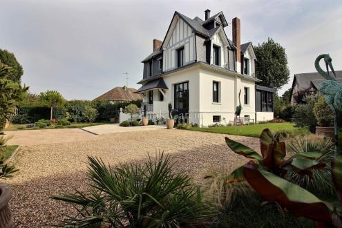 Дом класса люкс на продажу  Довиль, 270 м², 6 Спальни, 1490000€