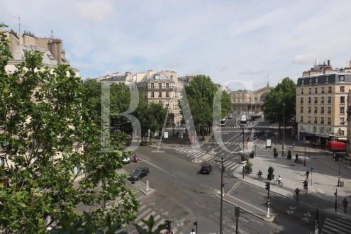 Квартира класса люкс на продажу  Париж 10ый, 92 м², 2 Спальни, 1365000€