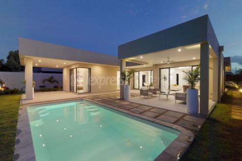 Luxury Villa for sale Mauritius, 227 m², 3 Bedrooms, €936775