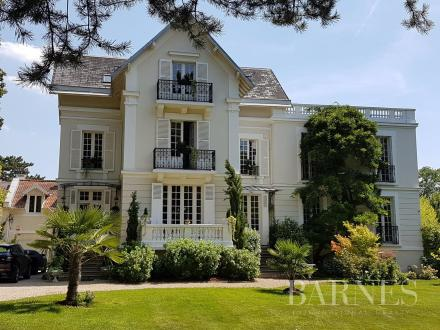 Maison de luxe à vendre LE VESINET, 410 m², 5 Chambres, 3800000€