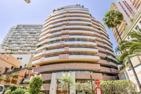 Квартира класса люкс на продажу  Монако, 5 Спальни, 32000000€