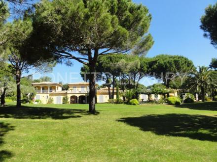Luxury Villa for sale SAINT TROPEZ, 650 m², 6 Bedrooms, €17800000