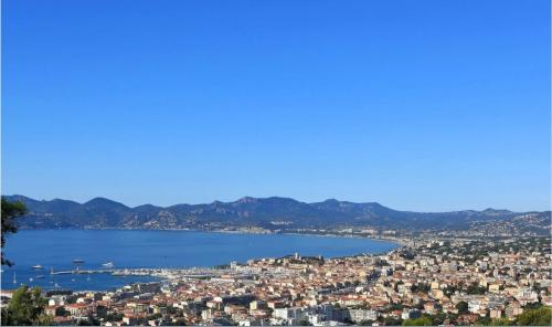 Luxury House for rent CANNES, 540 m², 5 Bedrooms,