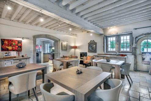 Propriété de luxe à vendre CHASSELAY, 650 m², 1790000€