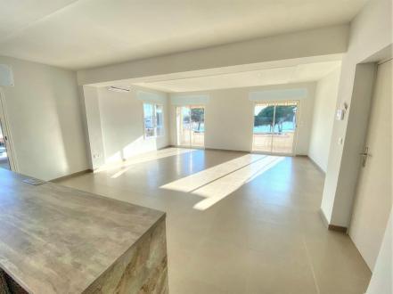Appartamento di lusso in vendita FREJUS, 118 m², 4 Camere, 840000€