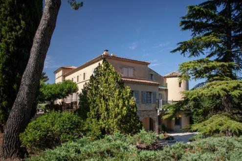 Maison de luxe à louer ORGON, 7 Chambres,