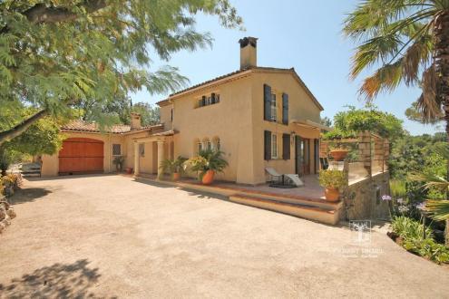 Villa de luxe à vendre LE ROURET, 240 m², 3 Chambres, 850000€