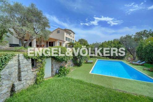 Luxury Bastide for sale GRASSE, 6 Bedrooms, €2940000