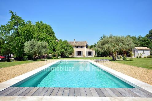 Luxe Farm te koop SAUMANE DE VAUCLUSE, 300 m², 4 Slaapkamers, 1395000€