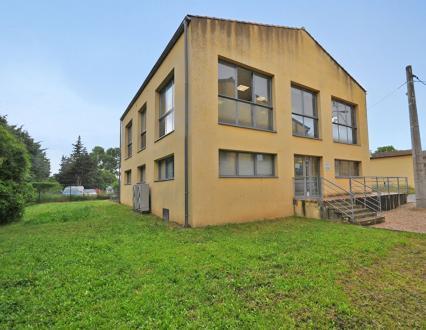 Luxury Apartment building for sale MONTFAVET, 1477 m², €2100000