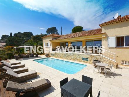 Villa di lusso in vendita VALLAURIS, 174 m², 5 Camere, 1590000€