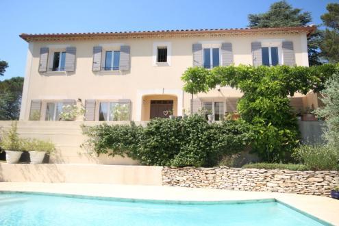 Maison de luxe à vendre VILLENEUVE LES AVIGNON, 230 m², 5 Chambres, 595000€