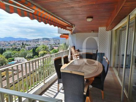 Квартира класса люкс на продажу  Канны, 130 м², 3 Спальни, 1180000€