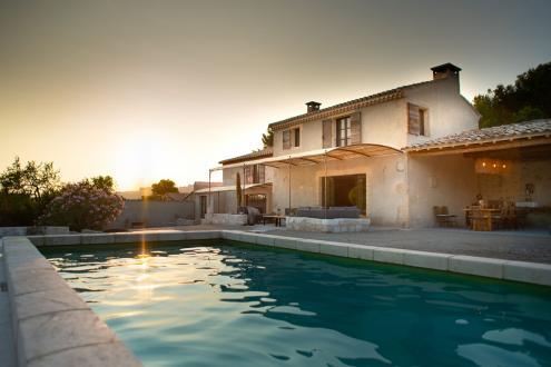 Maison de luxe à louer LES BAUX DE PROVENCE, 250 m², 4 Chambres,