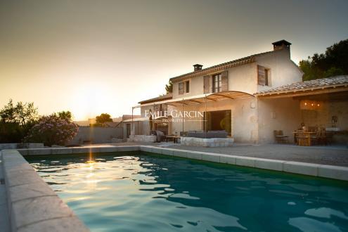 Luxury House for rent LES BAUX DE PROVENCE, 250 m², 4 Bedrooms,