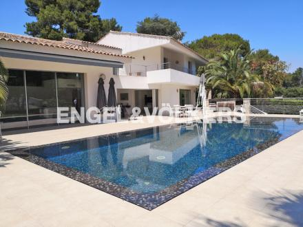 Villa di lusso in vendita ANTIBES, 280 m², 4 Camere, 2490000€