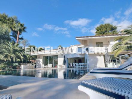 Villa de luxe à vendre ANTIBES, 280 m², 4 Chambres, 2490000€