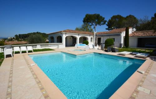 Maison de luxe à louer LE CANNET, 400 m², 7 Chambres,
