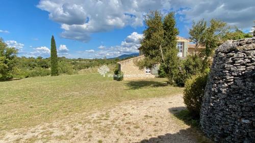 Proprietà di lusso in vendita BONNIEUX, 380 m², 10 Camere, 1795000€