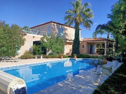 Maison de luxe à vendre SANARY SUR MER, 245 m², 5 Chambres, 1149000€